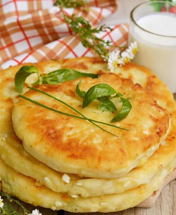 Сырные лепешки на сковороде рецепт с фото