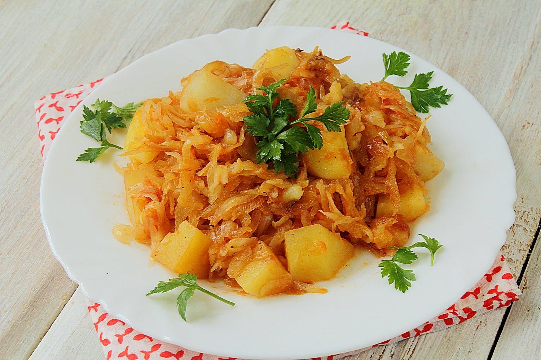 Курица в духовке с квашеной капустой и картошкой 6