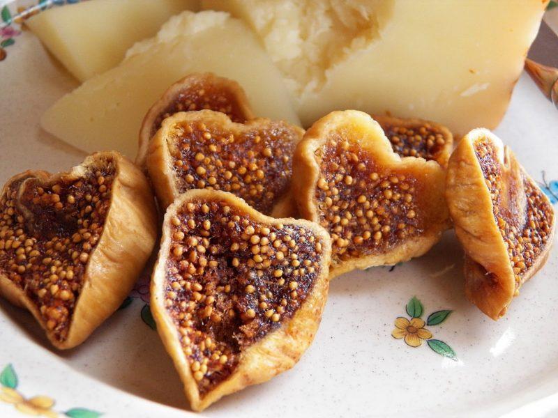 Инжир сушеный — польза и вред для организма