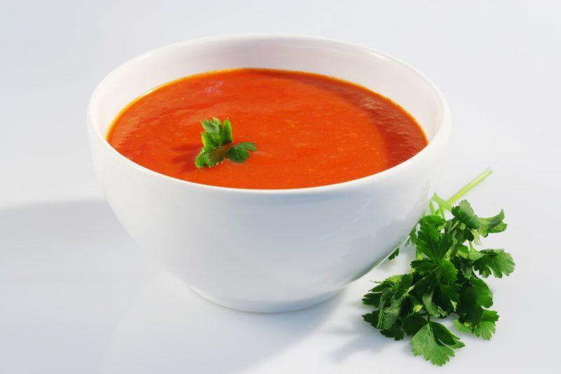 Томатный суп с сыром и чесноком — 1