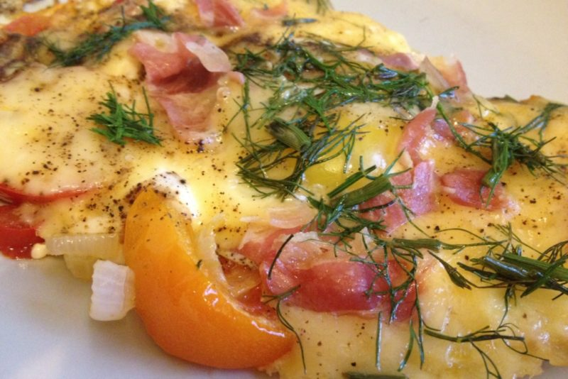 Яичница с сыром на сковороде - рецепт пошаговый с фото