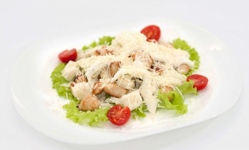 Салат цезарь с курицей - 10 рецептов приготовления в домашних условиях
