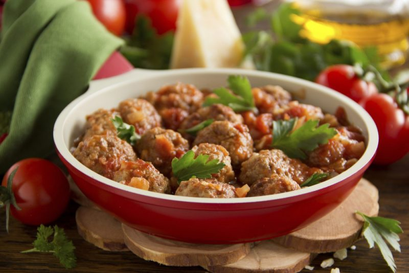 Как приготовить тефтели? 10 рецептов вкусных тефтелей