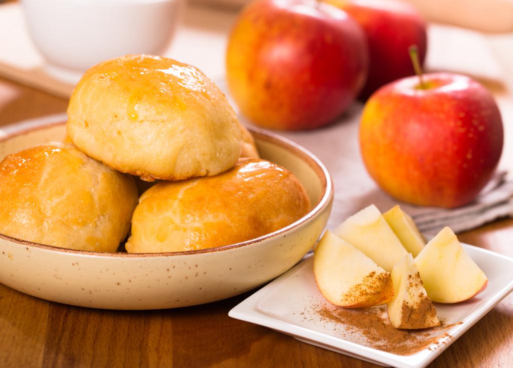 Жареные пирожки с яблоками – классические и авторские рецепты. Готовка жареных пирожков с яблоками – приятное занятие - Автор Екатерина Данилова