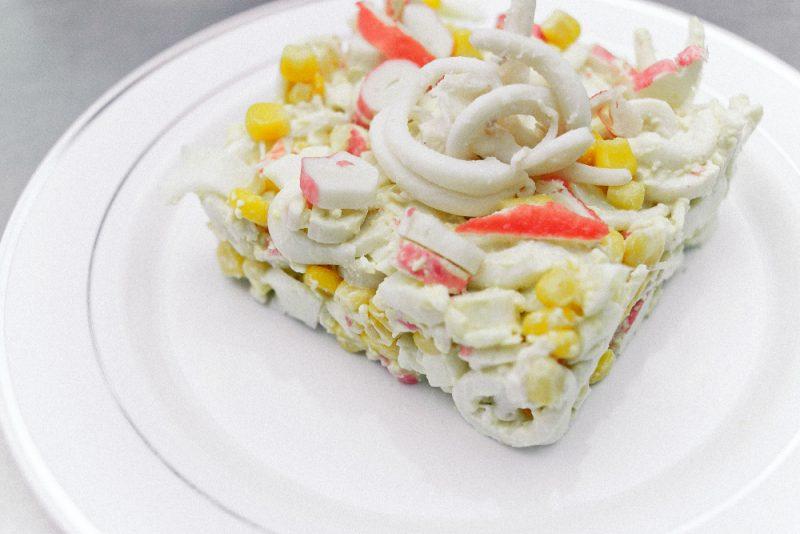 Крабовый салат - классический рецепт и 6 вкусных вариаций