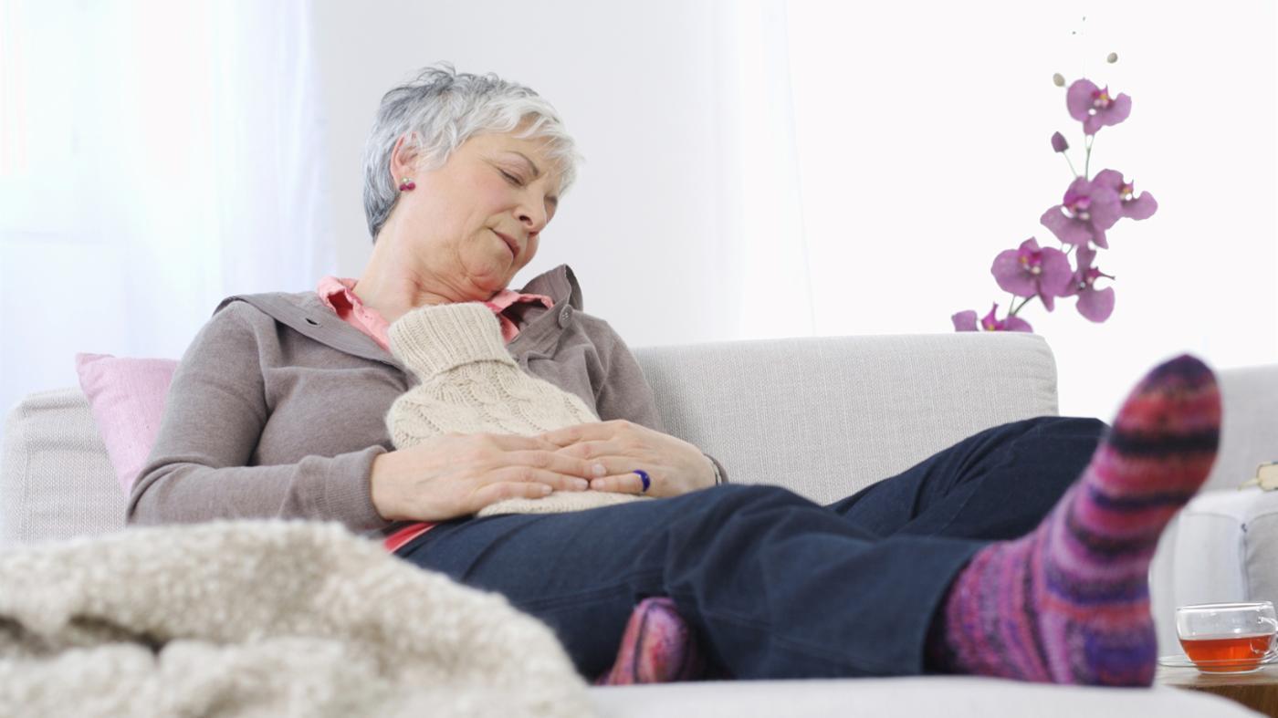 Запоры у пожилых людей: лечение народными средствами