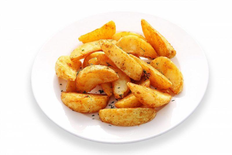 Картошка по-деревенски в духовке - 7 рецептов приготовления