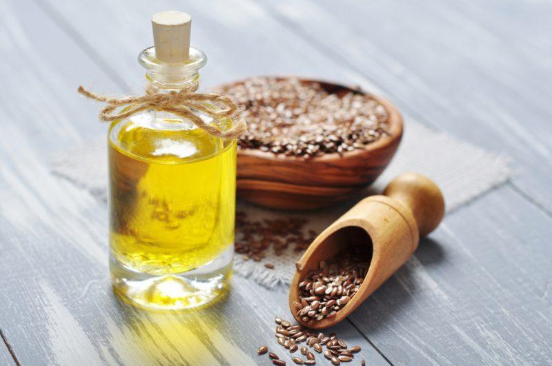 Чем полезно масло семян льна