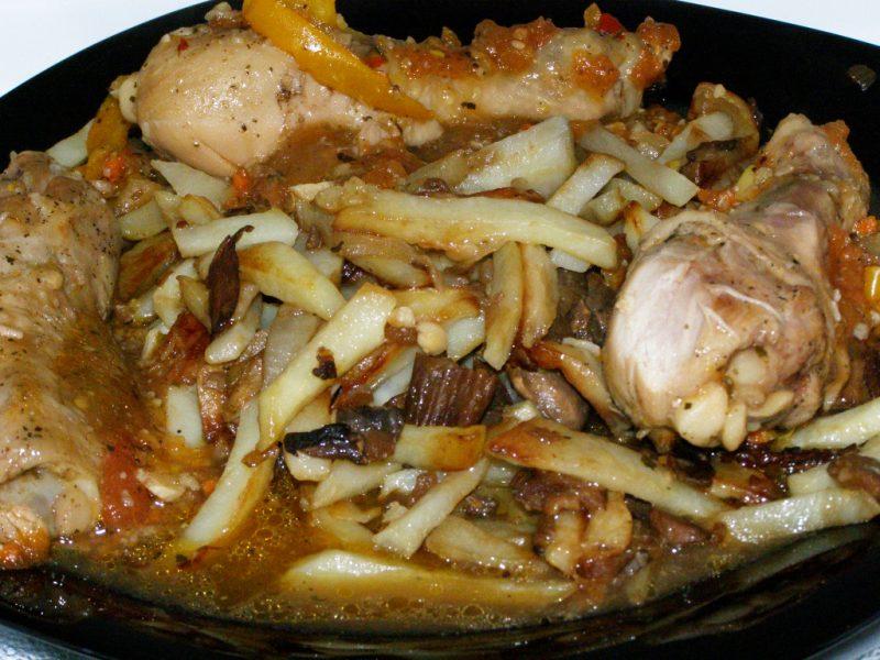 Картошка с грибами в духовке - 8 рецептов запекания
