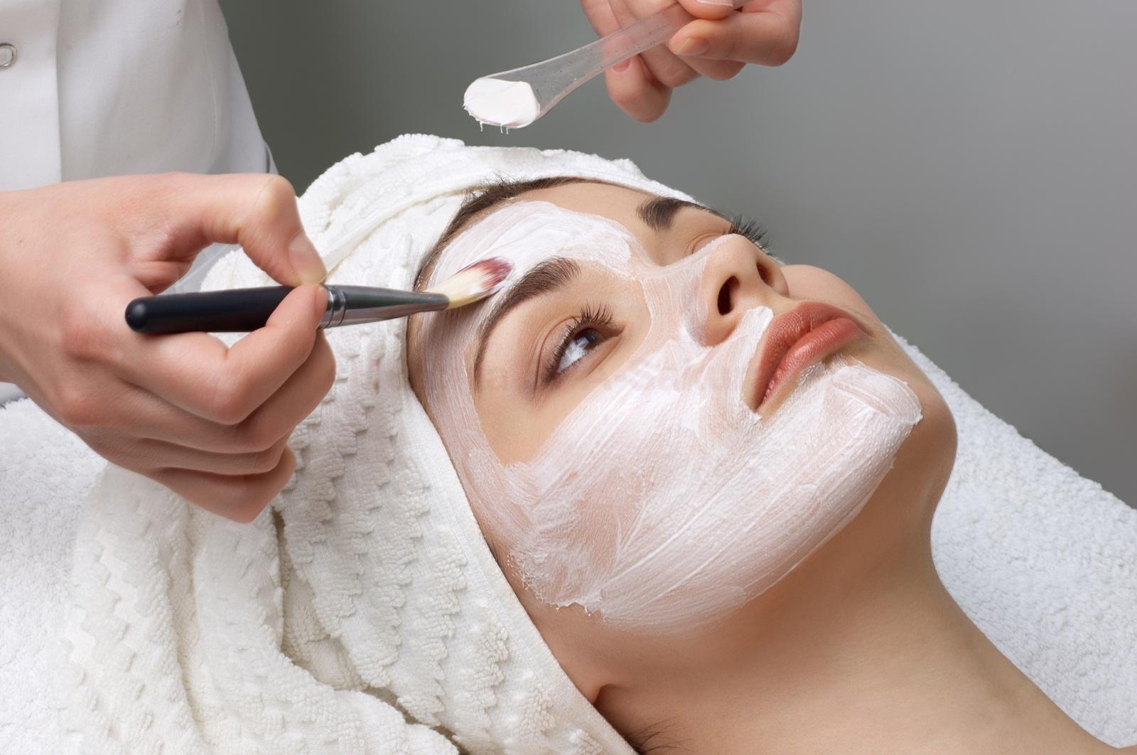 Очищение кожи лица в домашних условиях народными средствами