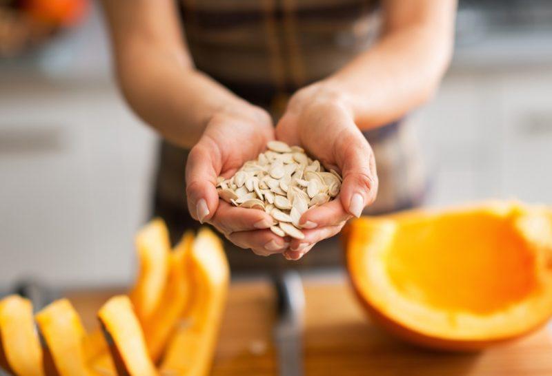 Чем полезны тыквенные семечки для мужчин и женщин?