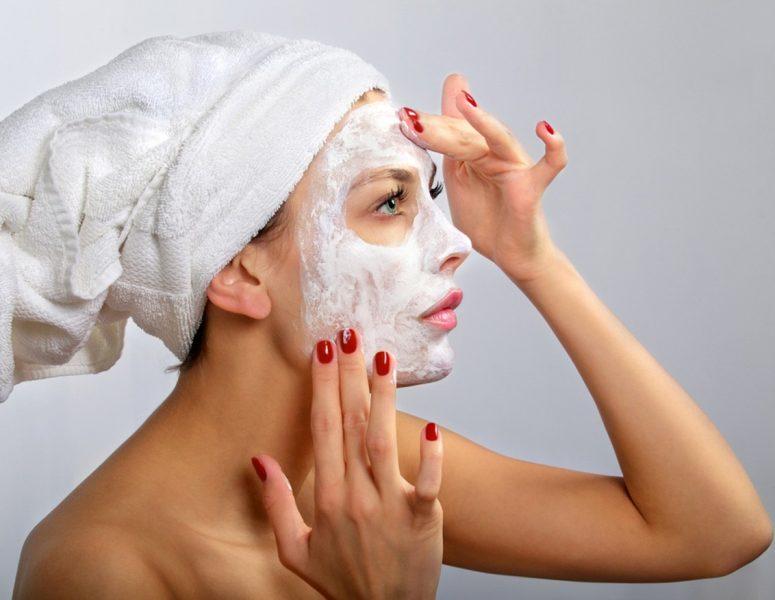 Домашние маски против прыщей для лица: против черных точек