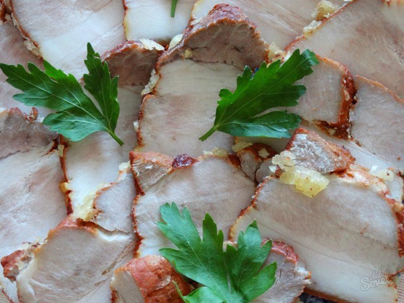 Грудинка в луковой шелухе — самые вкусные 5 рецептов