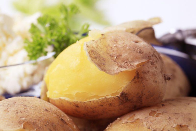 Как быстро сварить картошку в микроволновке? 6 рецептов и способов