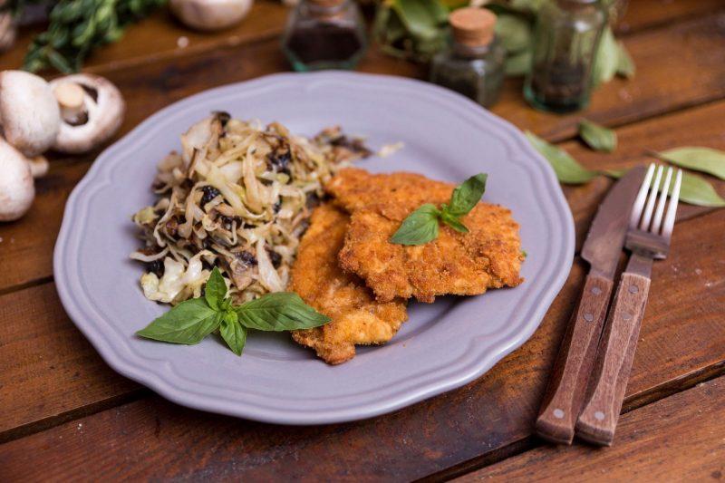 Отбивные из куриного филе — 10 рецептов вкусного приготовления