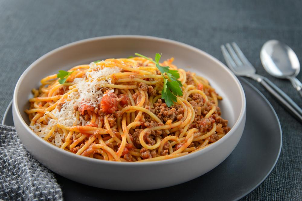 Еда макароны болоньезе