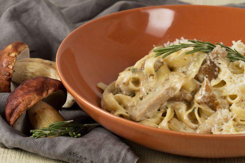 Грибной соус — 7 вкусных рецептов приготовления в домашних условиях