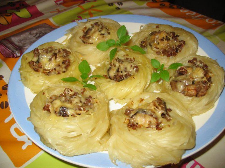 Гнезда из макарон в духовке рецепт пошагово с фото — pic 4