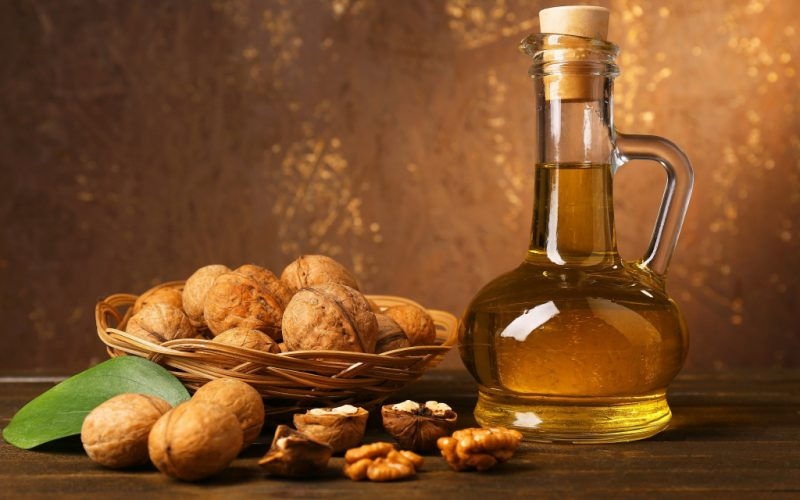 Грецкие орехи: польза и вред, полезные лечебные свойства ореха, перегородок, масла и листьев