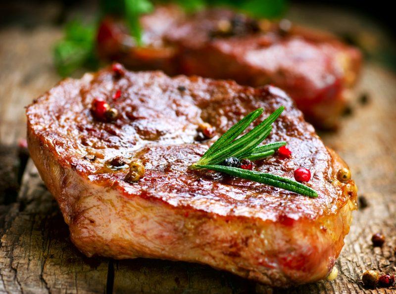 Приготовить свиной карбонат без кости