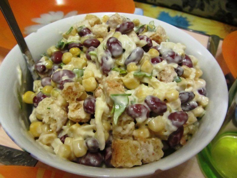Салат с красной фасолью - 9 рецептов приготовления