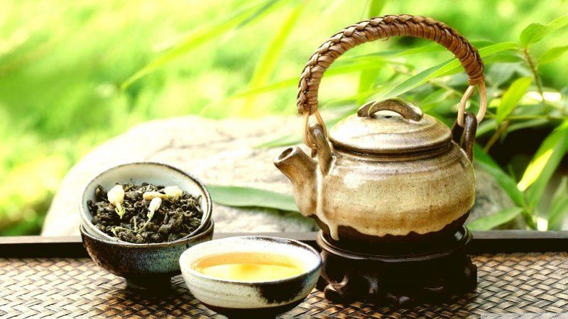 Белый чай: польза и вред для здоровья, какие есть сорта чая и как их заваривать правильно?