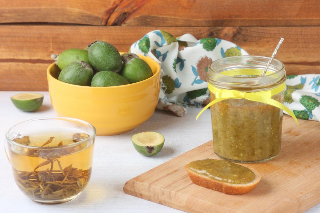 Фейхоа протертая с медом рецепт. Фейхоа с медом и грецким орехом – вкусный и полезный десерт. Рецепт варенья из фейхоа с грушами
