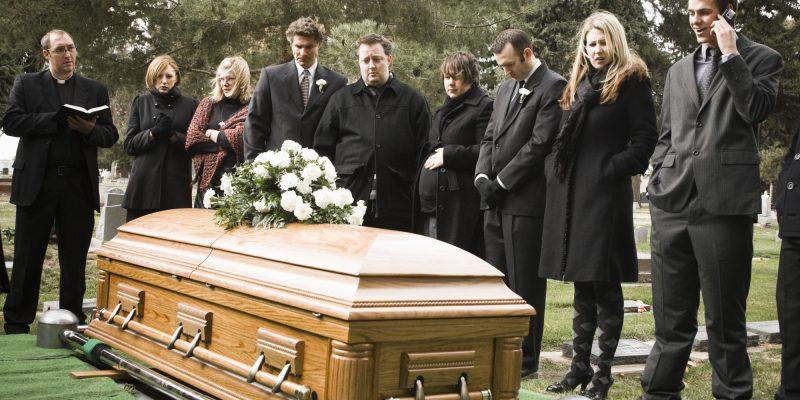 Сонник умершие родственники приснились живыми вместе