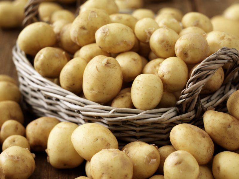 Картофельный сок: полезные свойства и противопоказания