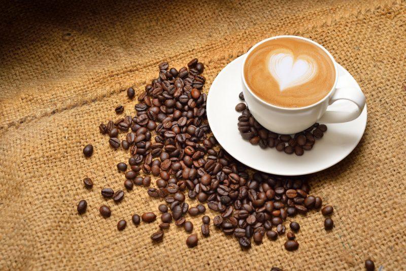 Кофе - польза и вред для организма человека: растворимого кофе, молотого, с молоком, без кофеина