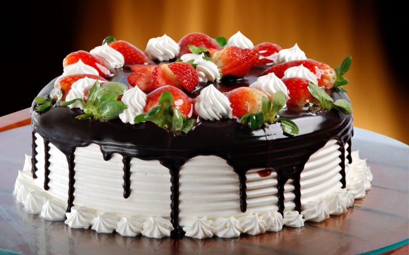 Сонник кушать много тортов