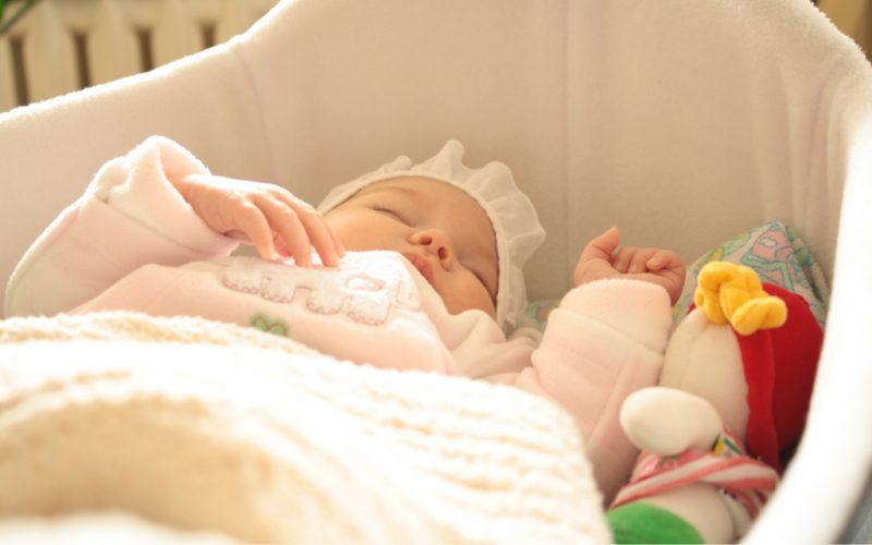 Сонник Ребенок девочка 😴, к чему снится Ребенок девочка женщине 💤, что означает увидеть Ребенка девочка  во сне