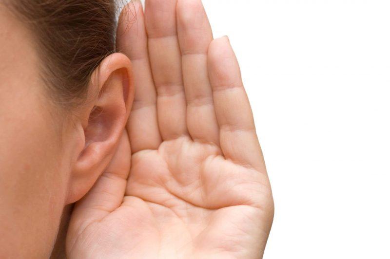 Горит левое ухо вечером – к чему? Приметы