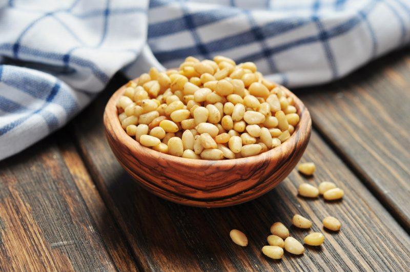 Кедровые орехи - полезные свойства и противопоказания