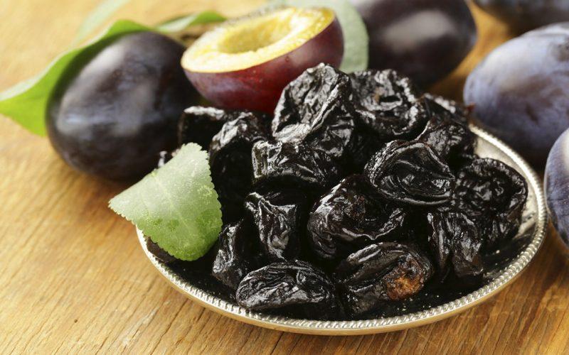 Чернослив: польза и вред для организма, применение для похудения
