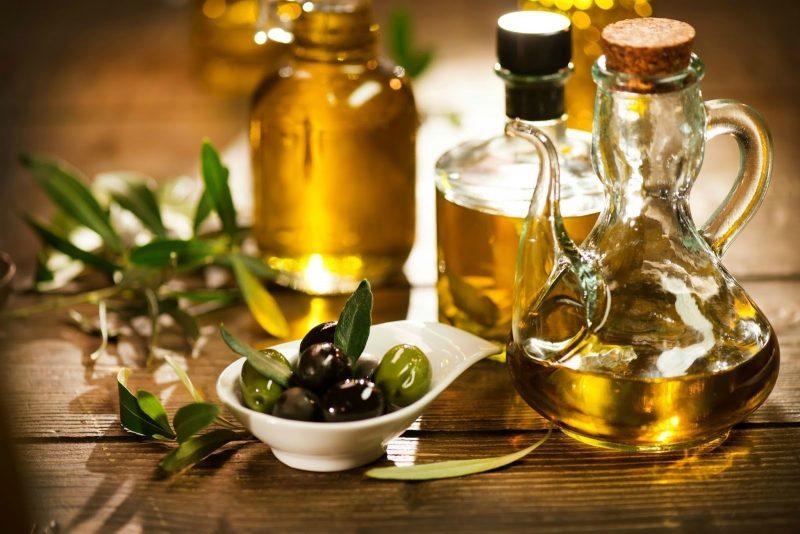Оливковое масло натощак: чем полезно для организма, как правильно принимать