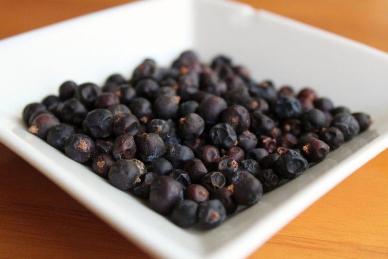 Чем полезны можжевеловые ягоды