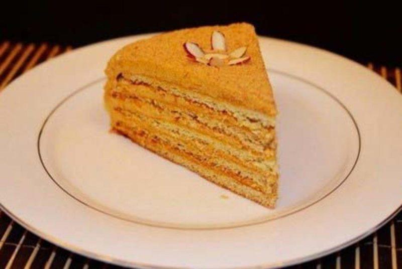 Медовый торт со сгущенкой рецепт с фото украсить