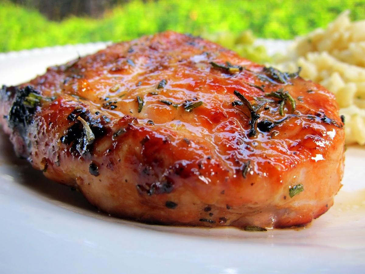 Как вкусно пожарить свинину на сковороде