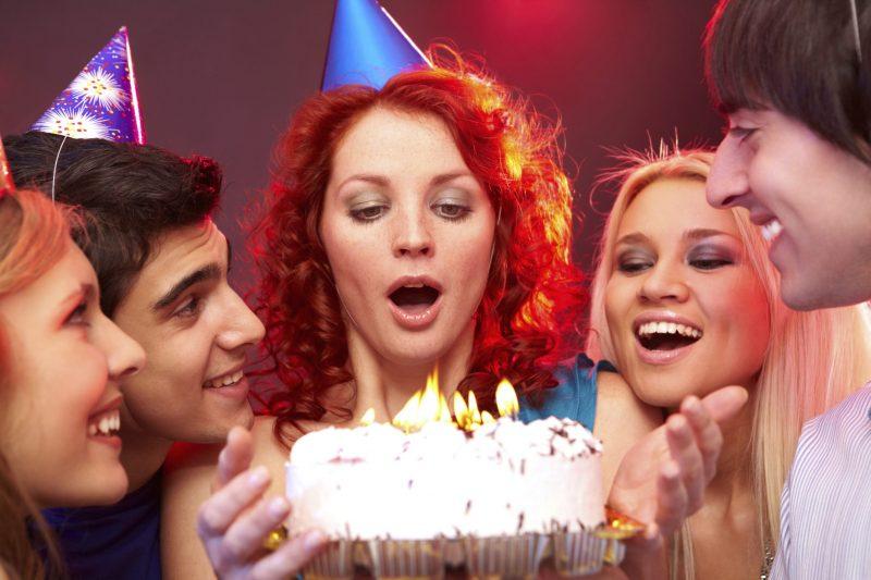 Изображение - Поздравления с 18 летием девушке 159340260-1-800x533