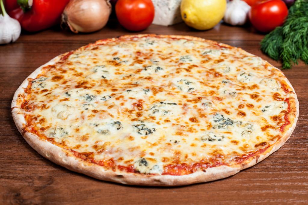 Картинки по запросу пицца 4 сыра