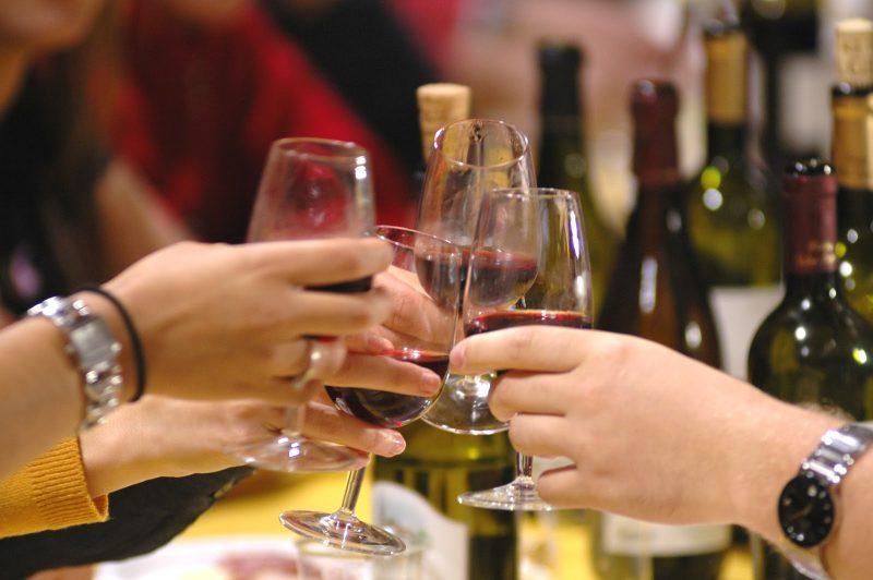 Изображение - Прикольный тост на день рождения женщине короткие A-Wine-Tasting-Affair-800x532