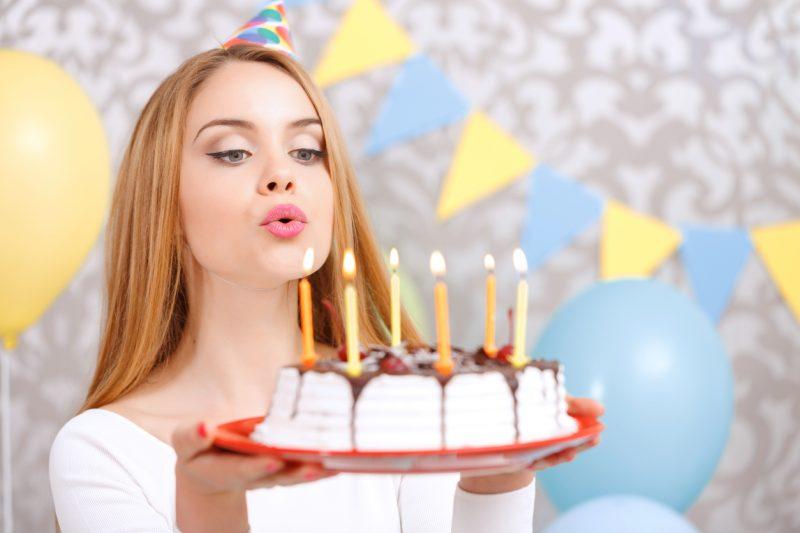 Изображение - Поздравления с 18 летием девушке Happy-1-800x533