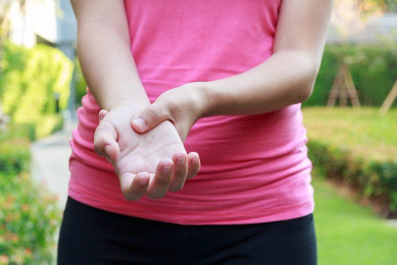 Подагра: признаки и симптомы болезни, лечение и профилактика, диета при подагре Psoriasis-arthritis-800x534