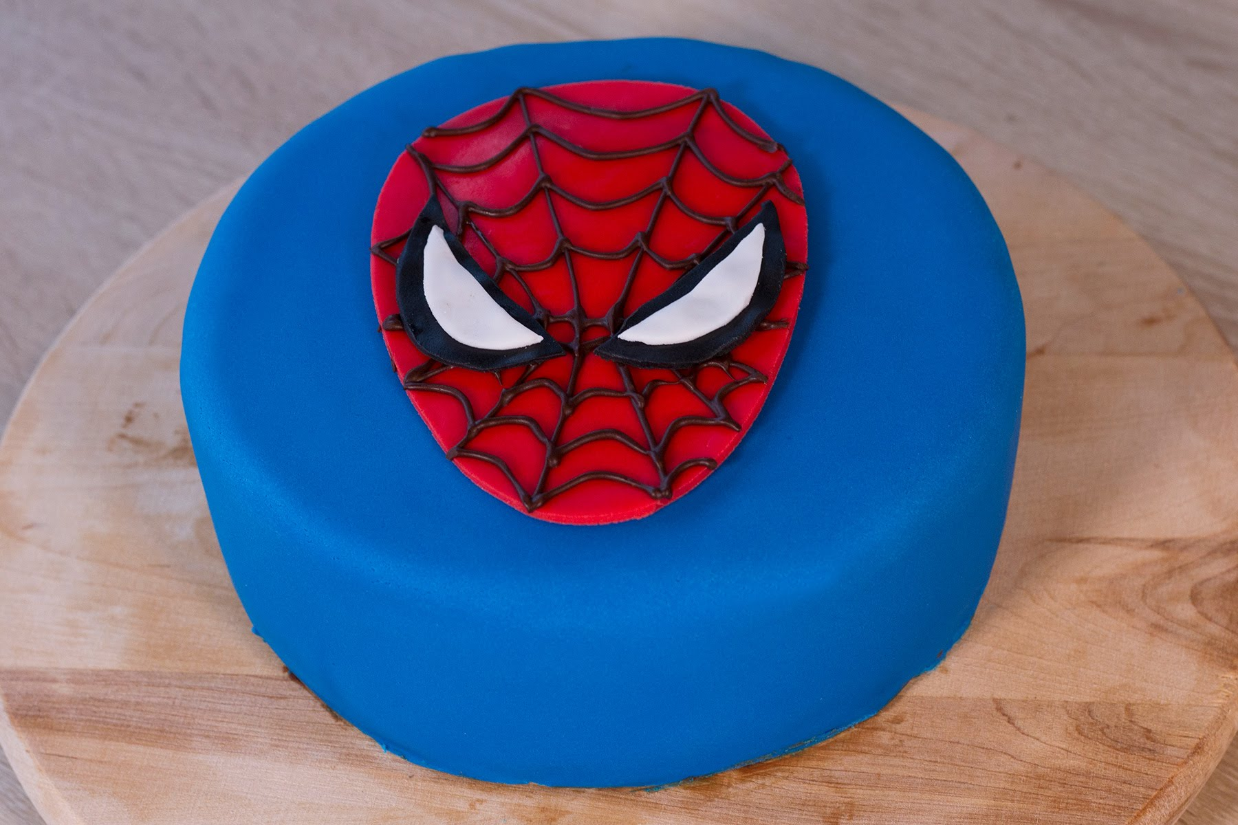 имеют фото тортов с человеком пауком из мастики живете