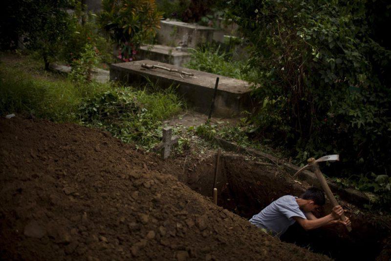 сонник могилы родных