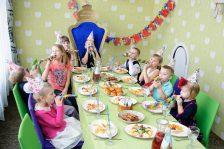Изображение - Короткое поздравление для мальчика с днем рождения kak-ukrasit-komnatu-na-den-rozhdeniya-rebenka-117-224x149