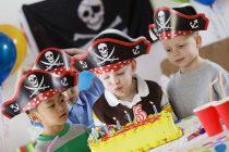 Изображение - Короткое поздравление для мальчика с днем рождения servirovka-stola-na-den-rozhdeniya-krasivye-i-originalnye-idei-28-210x140