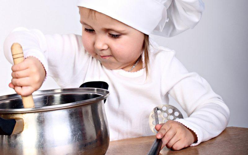 Как варить манную кашу на молоке ребенку
