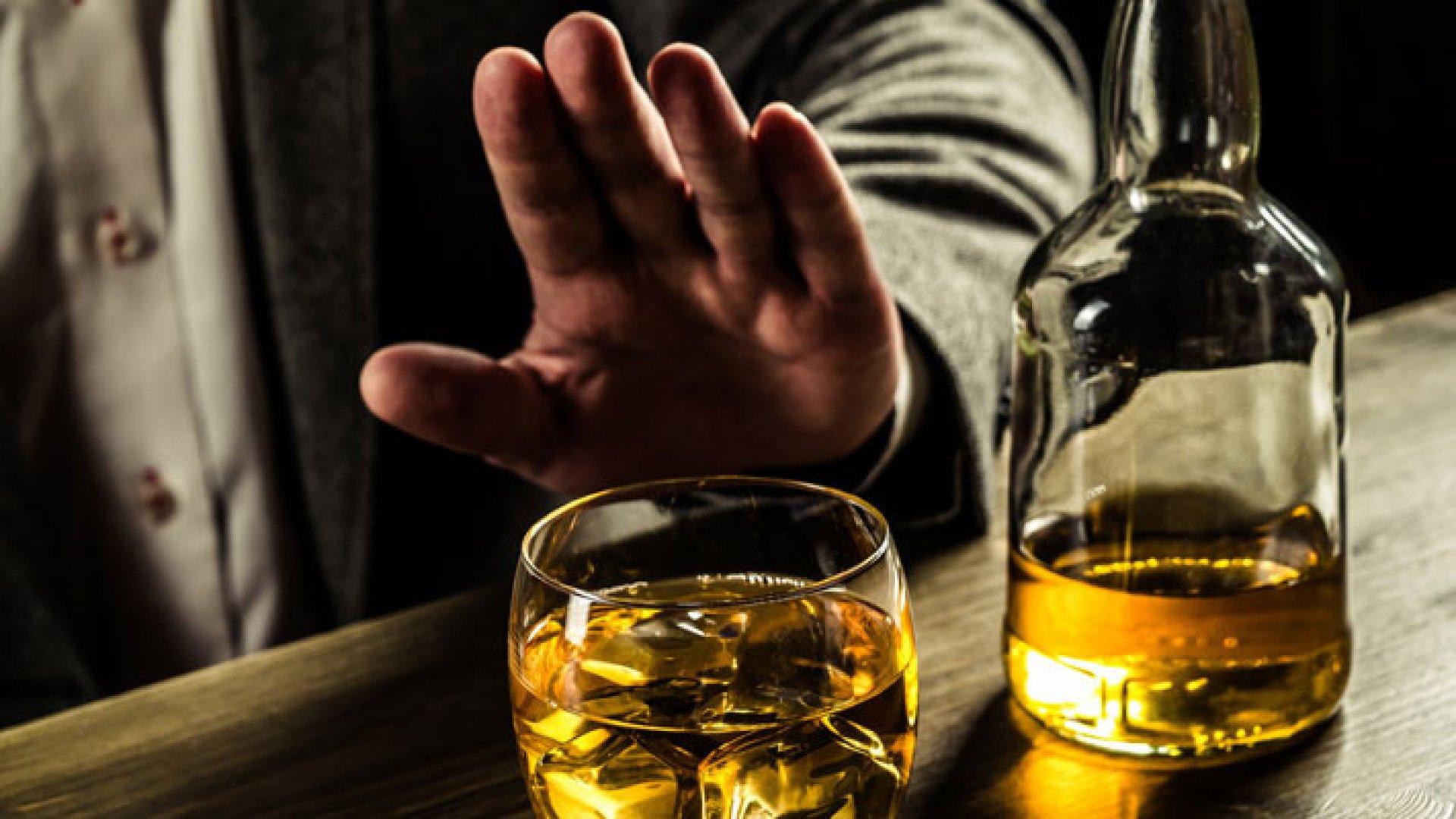 Флуконазол и алкоголь: совместимость, можно ли пить спиртное при приеме противогрибкового препарата